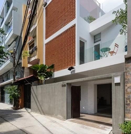 Thiết kế nhà phố độc đáo mang đến mái ấm ngập tràn ánh sáng